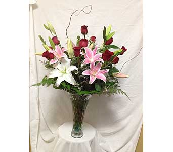 Roses and Lilies in Rancho Cordova CA, Roses & Bows Florist Shop