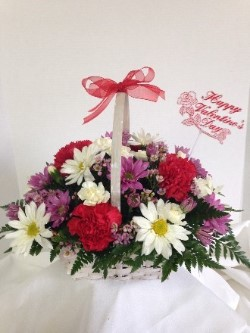 Valentines Basket in Chalfont PA, Bonnie's Flowers