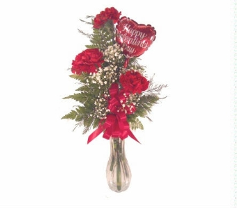 Valentine Bud Vase Arrangement With 4 Inch Balloon in Yakima WA, The Blossom Shop