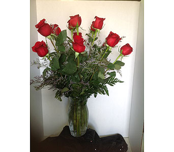 Traditional Dozen Red Roses in Laurel MD, Rainbow Florist & Delectables, Inc.