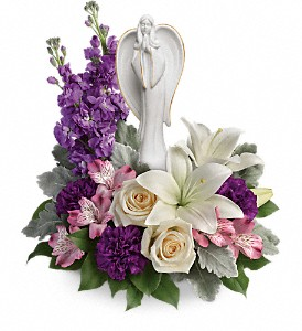 Teleflora's Beautiful Heart Bouquet in Austintown OH, Crystal Vase Florist