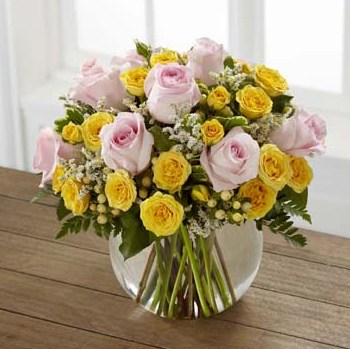 Soft Serenade Rose Bouquet in Fond Du Lac WI, Haentze Floral Co