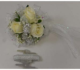 Wrist Corsage of White Sweetheart Roses in Bloomington IL, Forget Me Not Flowers