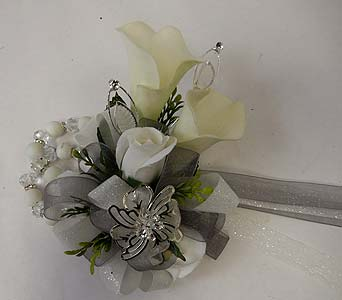 Wrist Corsage of Sweetheart Roses and Mini Callas in Bloomington IL, Forget Me Not Flowers