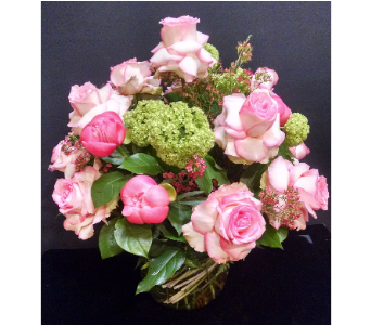 Signature Roses & Peonies in Massapequa Park NY, Bayview Florist & Montage  1-800-800-7304