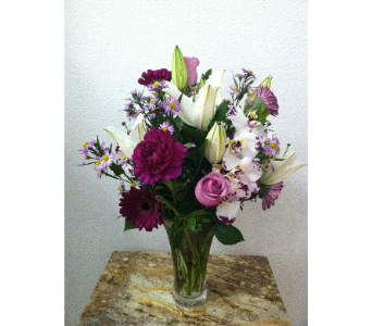 Simple Sophistication in Arcata CA, Country Living Florist & Fine Gifts
