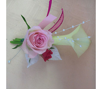Fresh Rose & Callalily Boutonniere in Portsmouth OH, Kirby's Flowers