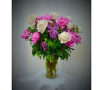 Mom's Favorite in Pelham NY, Artistic Manner Flower Shop