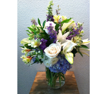 Pacific Breeze in Arcata CA, Country Living Florist & Fine Gifts