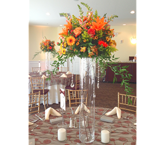 Royal Crest Centerpiece in Kissimmee FL, Golden Carriage Florist