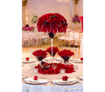 Red Opulence Centerpiece in Kissimmee FL, Golden Carriage Florist