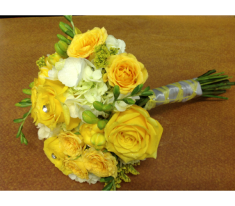 Yellow & White Bridesmaid Bouquet in Kissimmee FL, Golden Carriage Florist