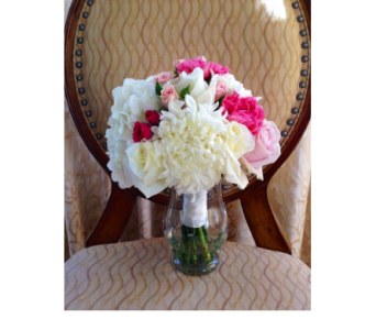 Lovely Hand-Tied in Kissimmee FL, Golden Carriage Florist