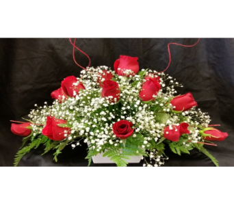 MTF807 Long & Low 1 Dozen Rose Arrangement in Mililani Town HI, Mililani Town Florist