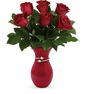 Teleflora's Gift From The Heart Bouquet in Richmond BC, Touch of Flowers
