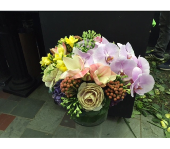A Special Birthday Gift in New York NY, Fellan Florists Floral Galleria