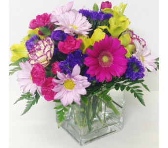 Classic Bright 4x4 Cube Bouquet - All-Around in Wyoming MI, Wyoming Stuyvesant Floral