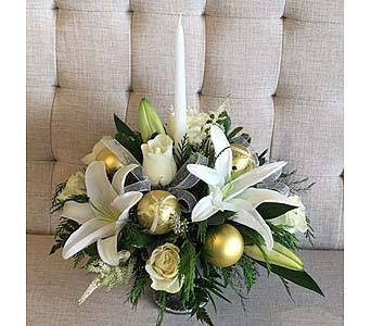 Creams and Golds in Charleston SC, Tiger Lily Florist Inc.