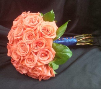 Coral Rose Bouquet in St Catharines ON, Vine Floral