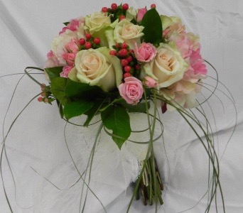 Summer Bouquet in St Catharines ON, Vine Floral