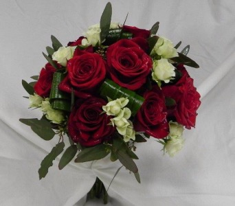 Red Rose Bouquet in St Catharines ON, Vine Floral