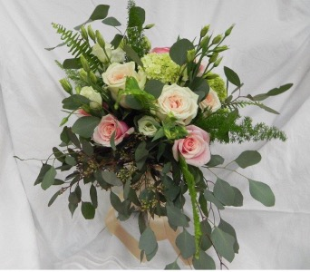 Rose Garden Bouquet in St Catharines ON, Vine Floral
