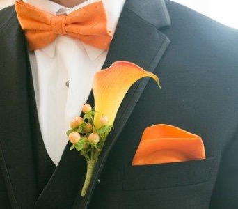 Calla Boutonniere in St Catharines ON, Vine Floral