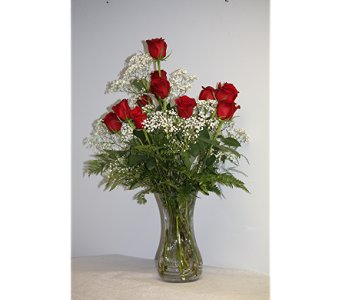 Dozen Short Stem Roses in Lewistown PA, Deihls' Flowers, Inc