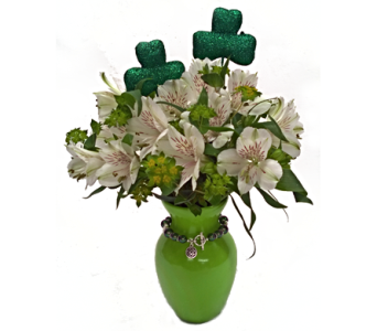 Celtic Love in Amherst NY, The Trillium's Courtyard Florist