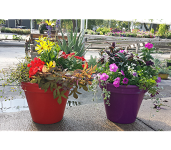 Mom's Flower Pots in Newton KS, Ruzen Flowers