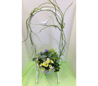 Blooming Planter - White Bird in Crafton PA, Sisters Floral Designs