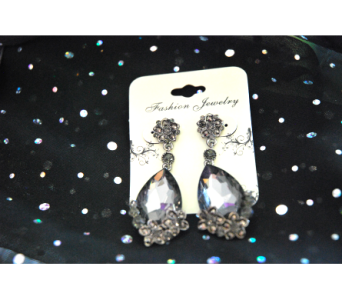 Teardrop Pewter Earrings in Manhattan KS, Westloop Floral