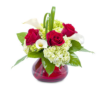 Chic Romance in Avon Lake OH, Sisson's Flowers & Gifts