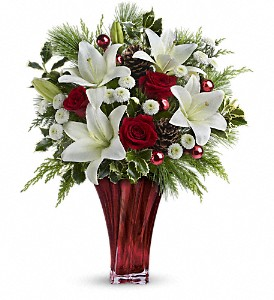 Teleflora's Wondrous Winter Bouquet in Austintown OH, Crystal Vase Florist