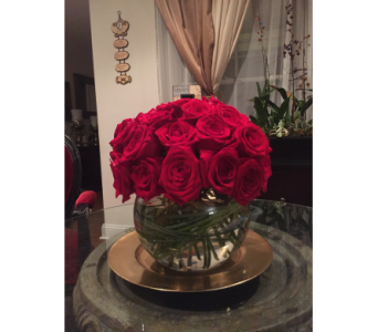 Red Roses in a Bowl in Woodland Hills CA, Abbey's Flower Garden
