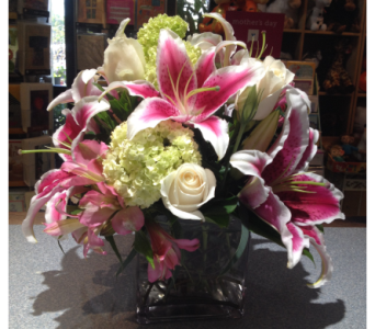 Stargazer Lilies and Roses in Torrance CA, Villa Hermosa Plant Shop