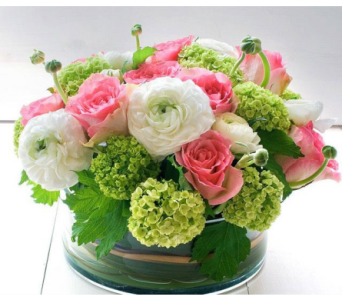 SPRING CENTERPIECE  in Bellevue WA, CITY FLOWERS, INC.