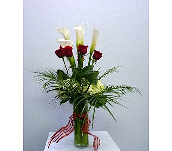 CALA LILIES, ROSES, WHITE HYDRANGEAS in Albertville AL, The Flower Market