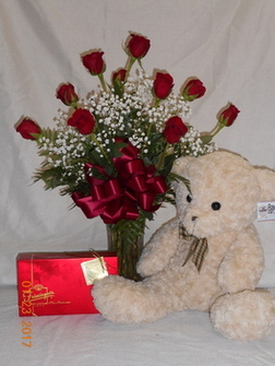 Valentine's Day Trio Deluxe in Middletown OH, Flowers by Nancy