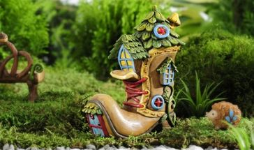 Enchanted Forest Boot Design House in Guelph ON, Patti's Flower Boutique