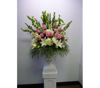 Rental Urn in white and Pink in Albertville AL, The Flower Market
