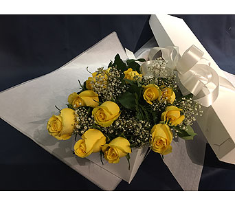 12 Yellow Roses Boxed in Markham ON, Freshland Flowers