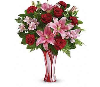 F15V205 I Adore You Lily Bouquet in Oklahoma City OK, Array of Flowers & Gifts