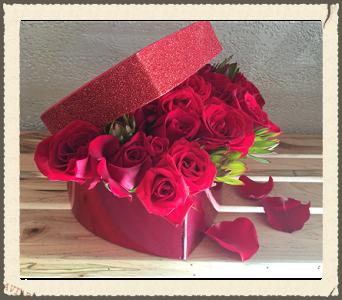 Heart Box Roses In Alpharetta Ga Rogers Florist