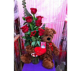 Valentine Hug Bouquet in Grand-Sault/Grand Falls NB, Centre Floral de Grand-Sault Ltee