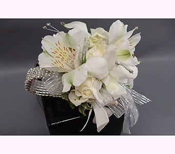 White corsage in San Diego CA, Mission Hills Florist