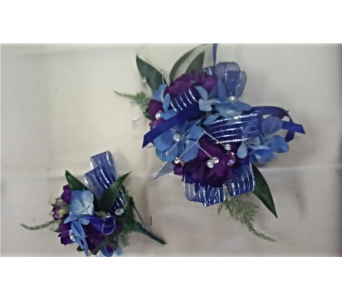 Purple with Blue Mix in Brecksville OH, Brecksville Florist