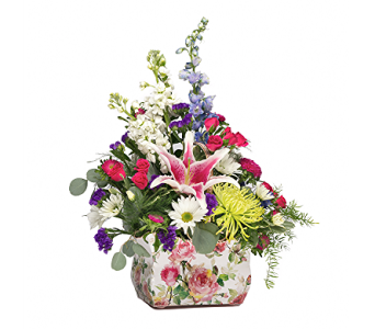 English Garden Basket   in Avon Lake OH, Sisson's Flowers & Gifts
