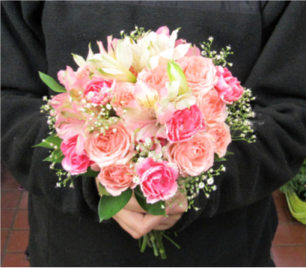 Spray Rose Bouquet in Royersford PA, Three Peas In A Pod Florist