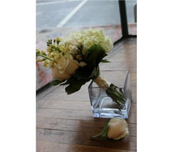 Ready-To-Wed in Winchester VA, Flowers By Snellings